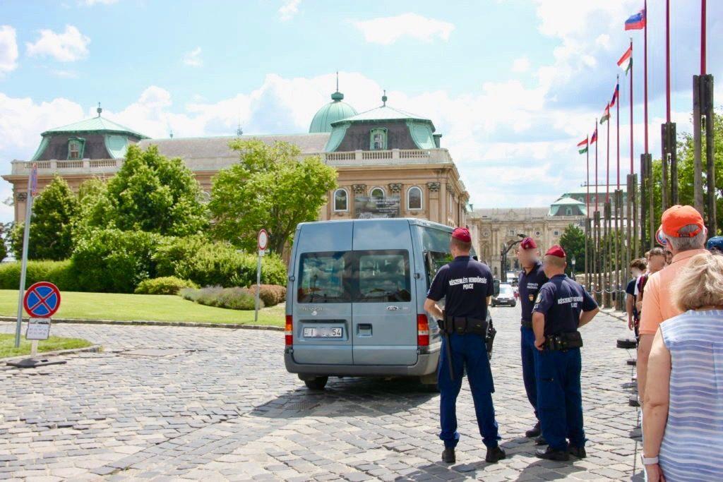 王宮入り口の警備兵