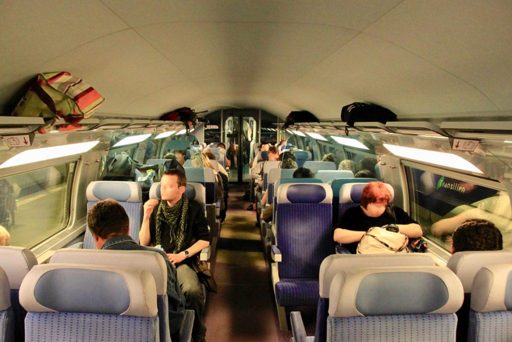 TGVの車内の様子