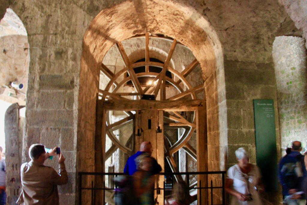 木製の大車輪