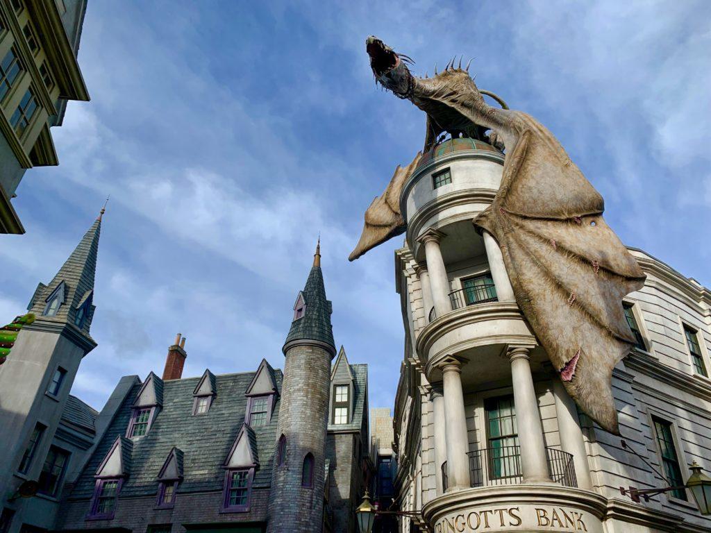 グリンゴッツ魔法銀行の屋上にいるドラゴン