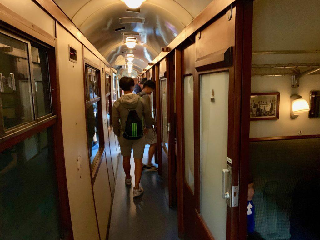 ホグワーツエクスプレスのコンパートメント客車