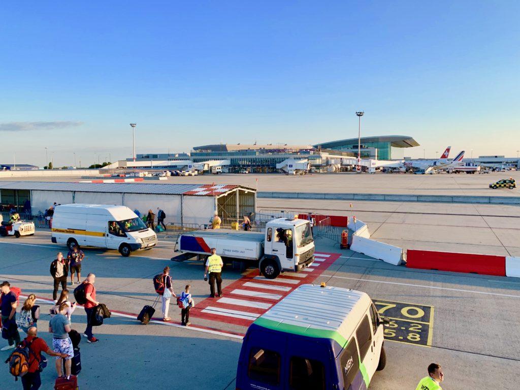 ブダペスト空港に到着