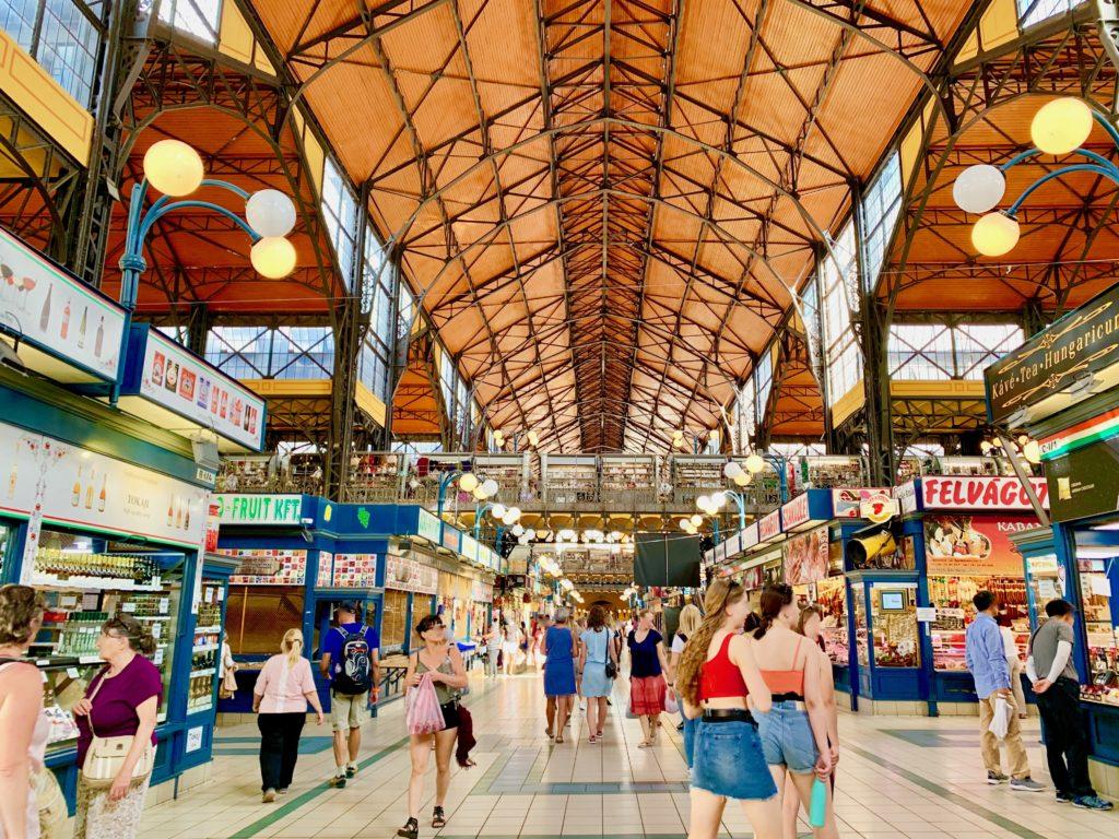 ブダペスト中央市場の店舗