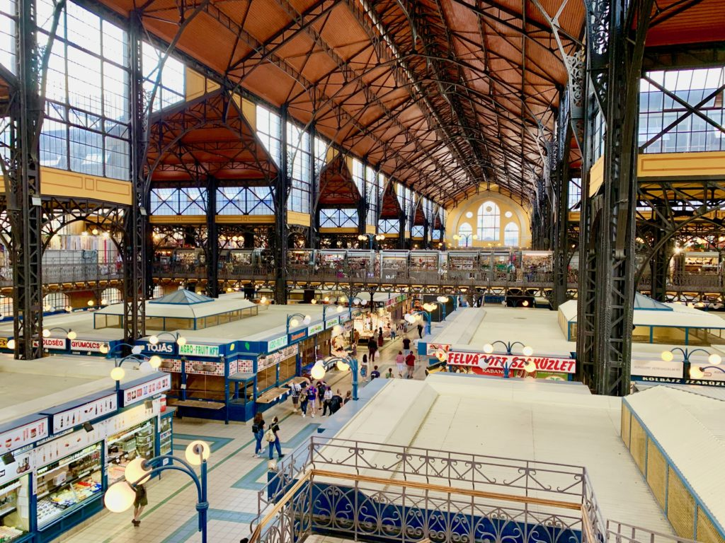 2階から見たブダペスト中央市場
