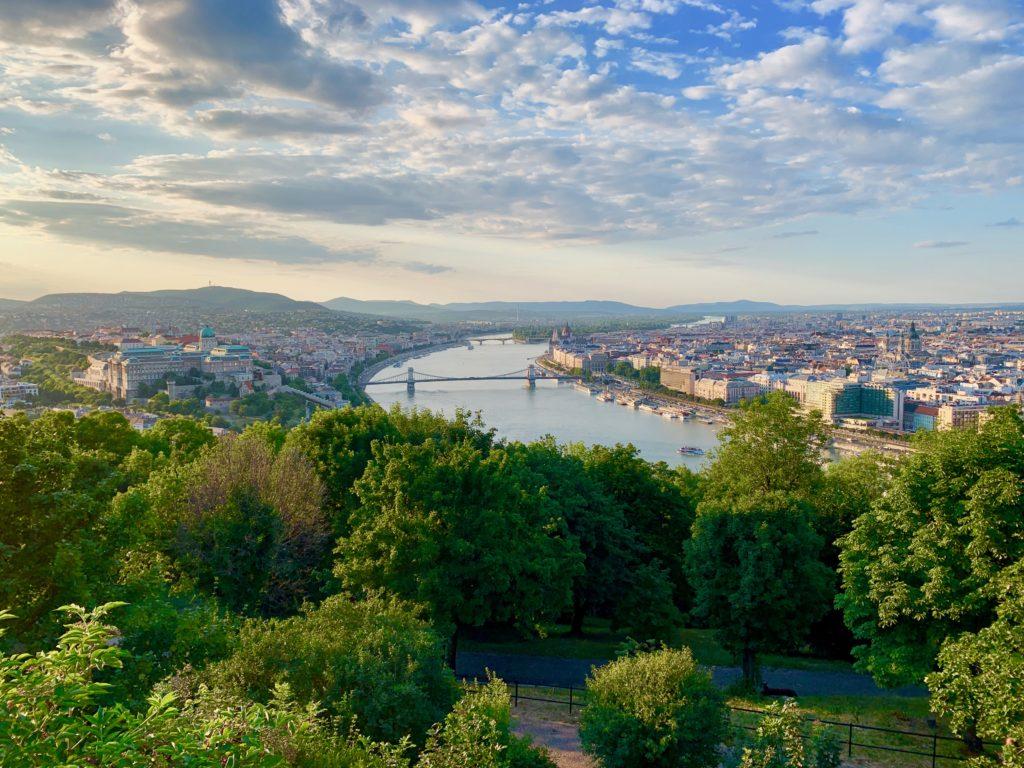 ゲッレールトの丘からのドナウ川の眺め