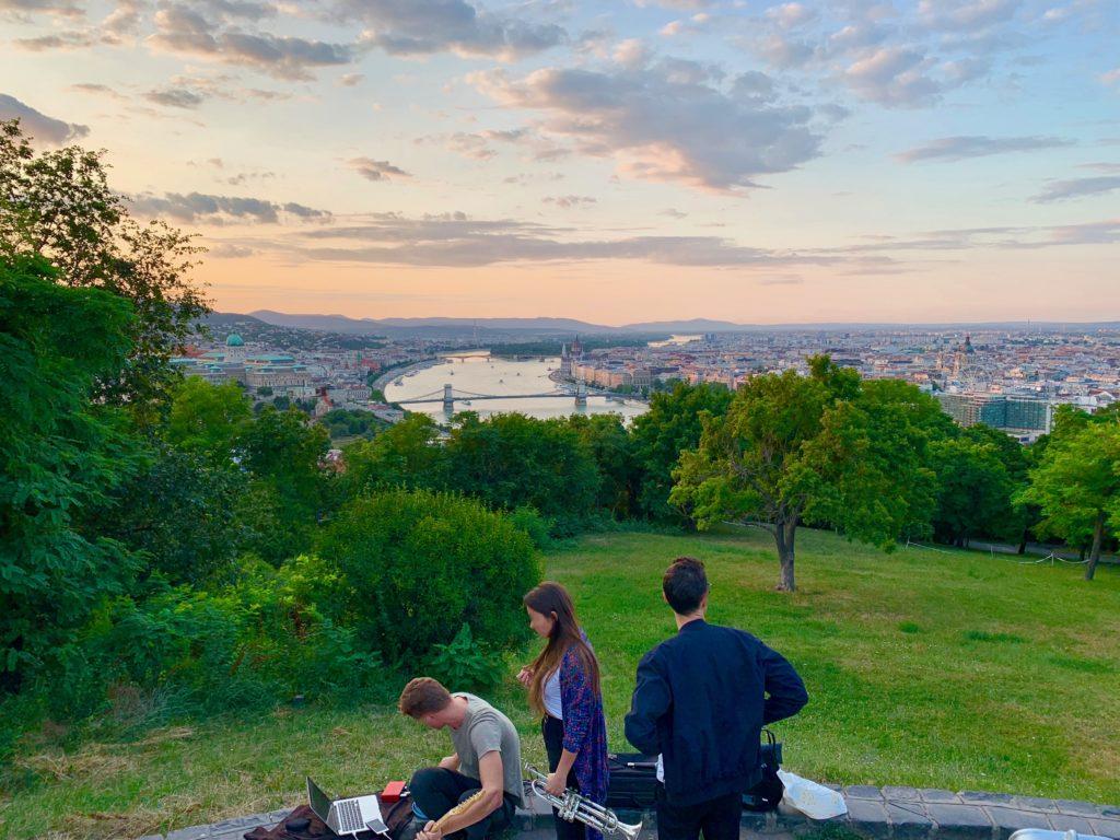 ゲッレールトの丘から眺める夕日