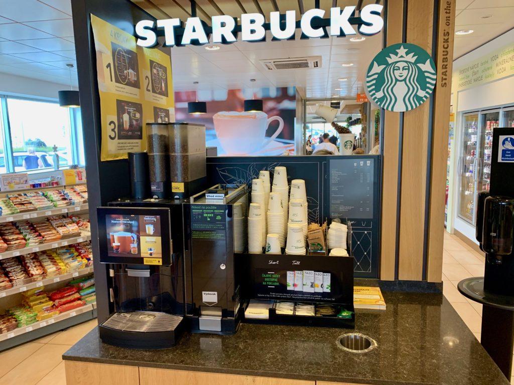 サービスエリアのカフェ