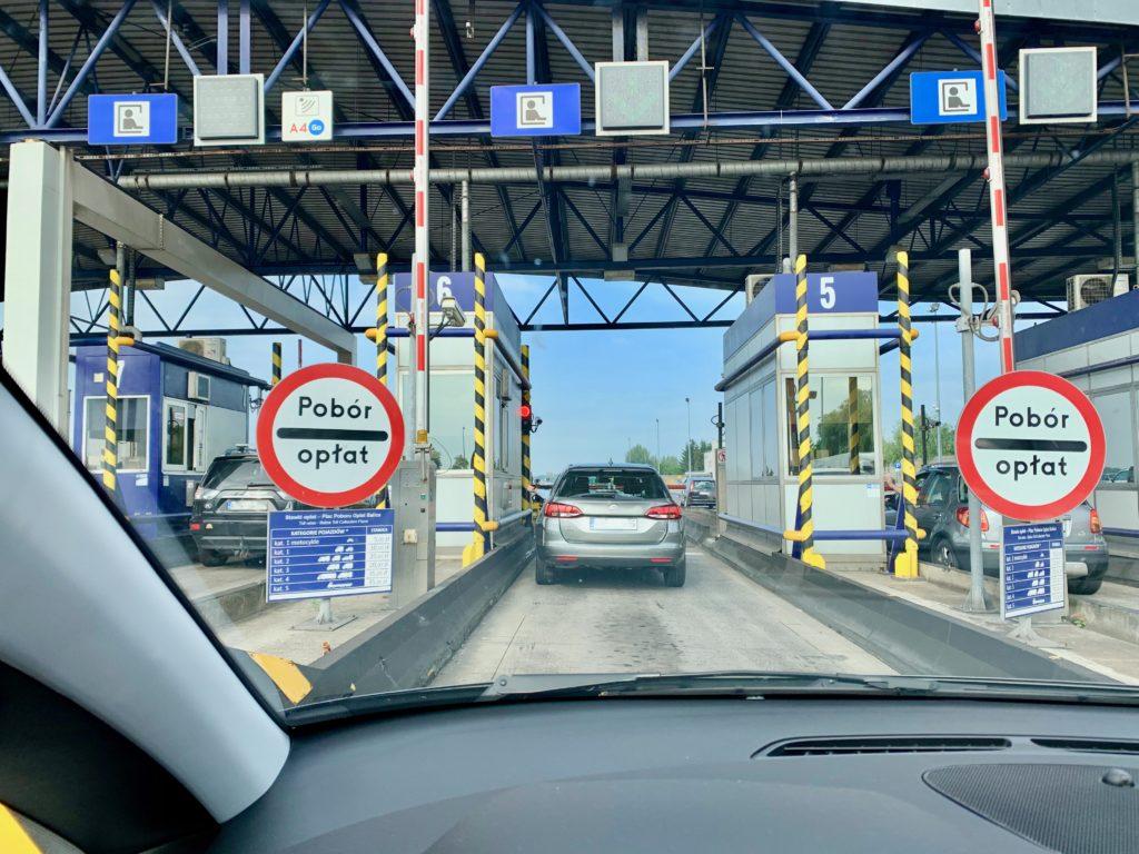 ポーランドの高速道路の料金所