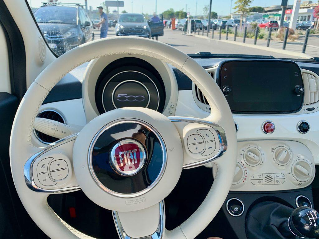 ヨーロッパのレンタカーのインパネ