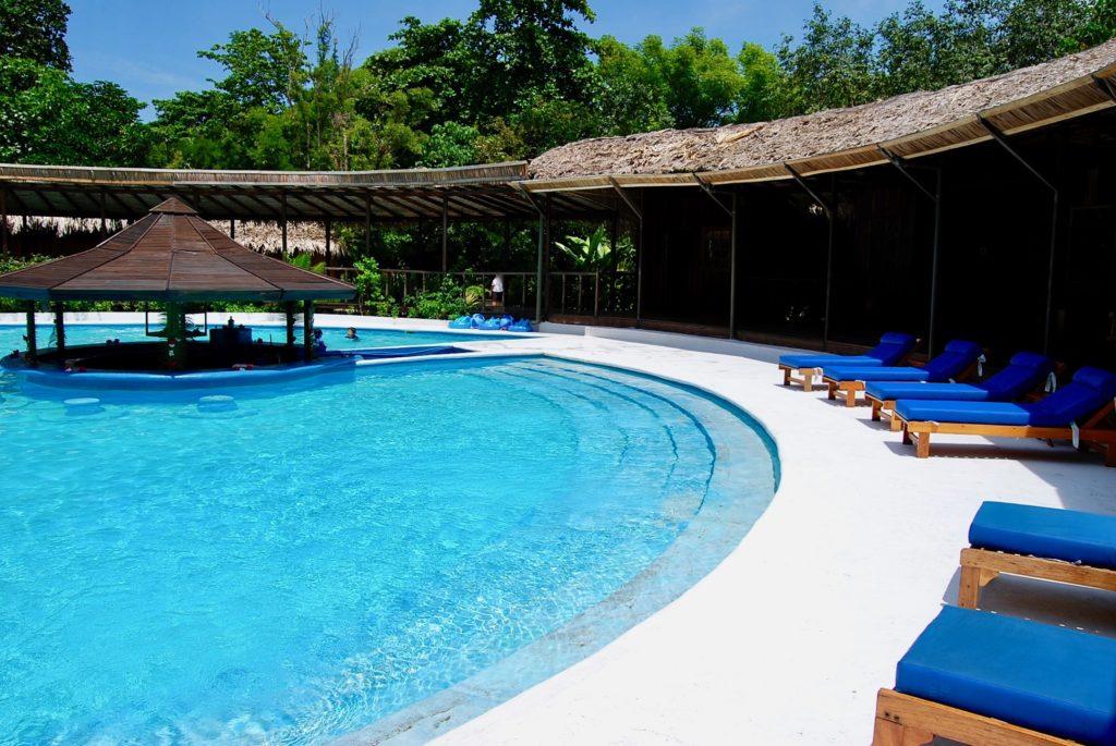 シラデンリゾートのプール