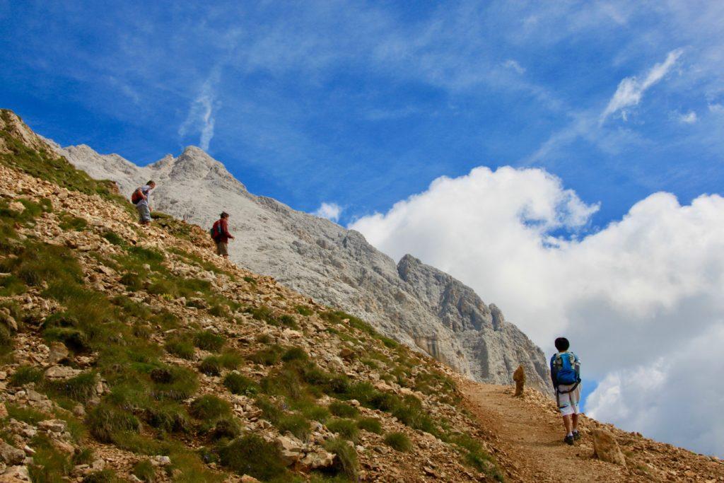 サッソピアット登山の様子