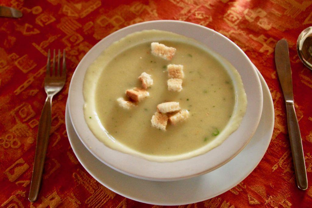 グリーンアスパラのクリームスープ