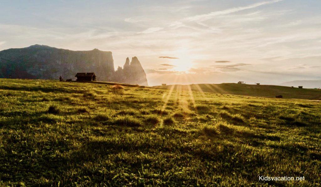 シリアール山に沈む夕日