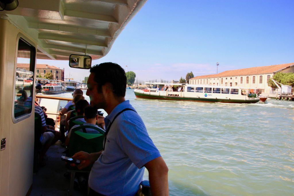 ヴァポレット船上の景色