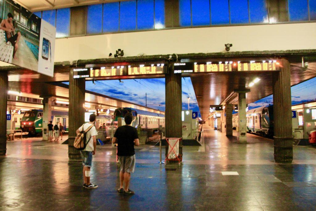 サンタルチア駅のホーム