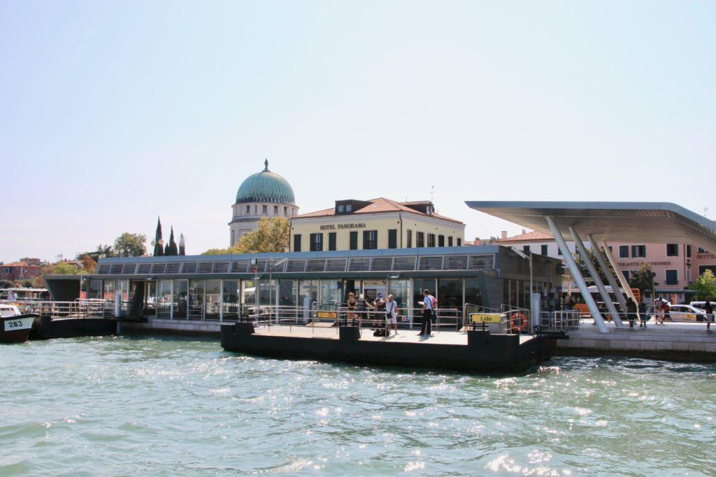 リド島の水上バス乗り場