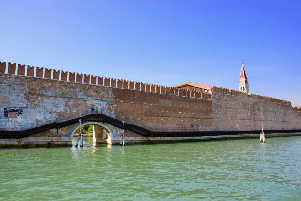 サンピエトロ島の城壁