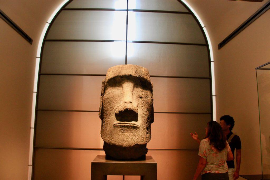 モアイ像の首