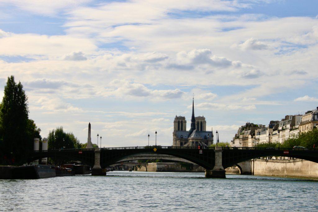 シュリー橋とノートルダム寺院