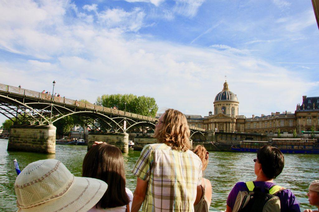 バトビュスの船上から見るフランス学士院とポンデザール