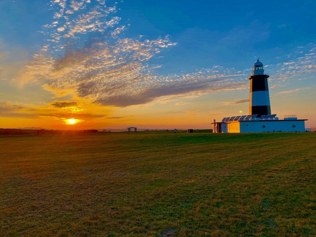 能取岬とオホーツク海の夕日