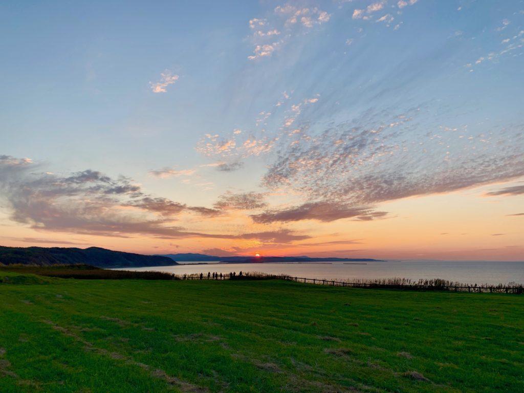 能取岬みたサロマ湖方面の夕日