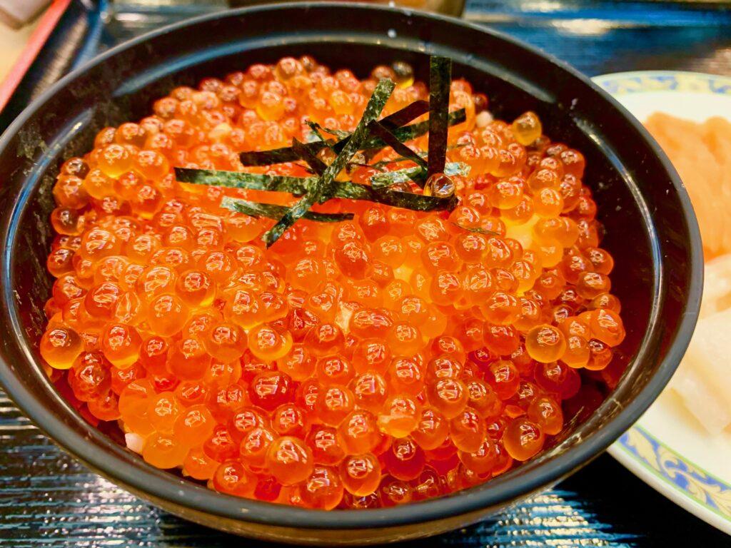 大江本家のイクラ・かに・マグロ・サーモン食べ放題夕食バイキング