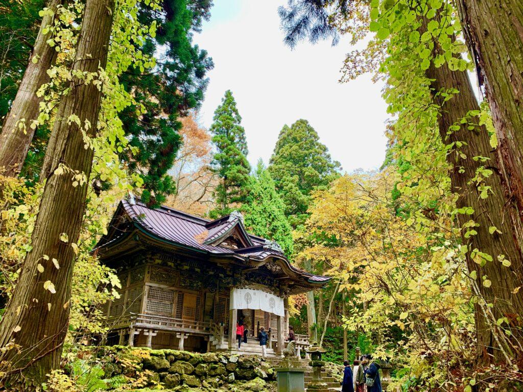 十和田神社の拝殿