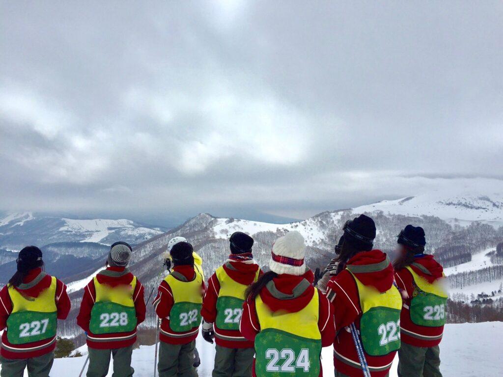 スキー教室最終日に登った頂上からの眺め