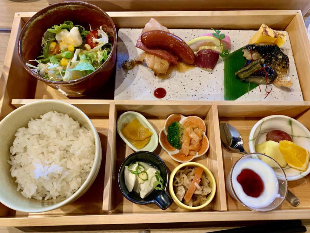 1800円の朝食プレート