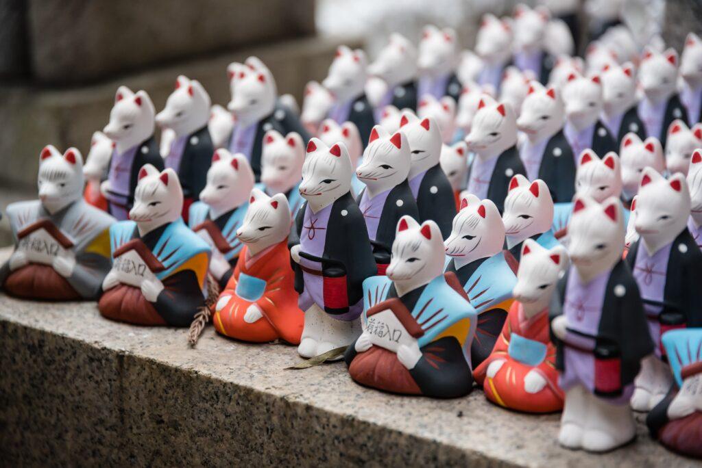 荒木神社の口入稲荷人形