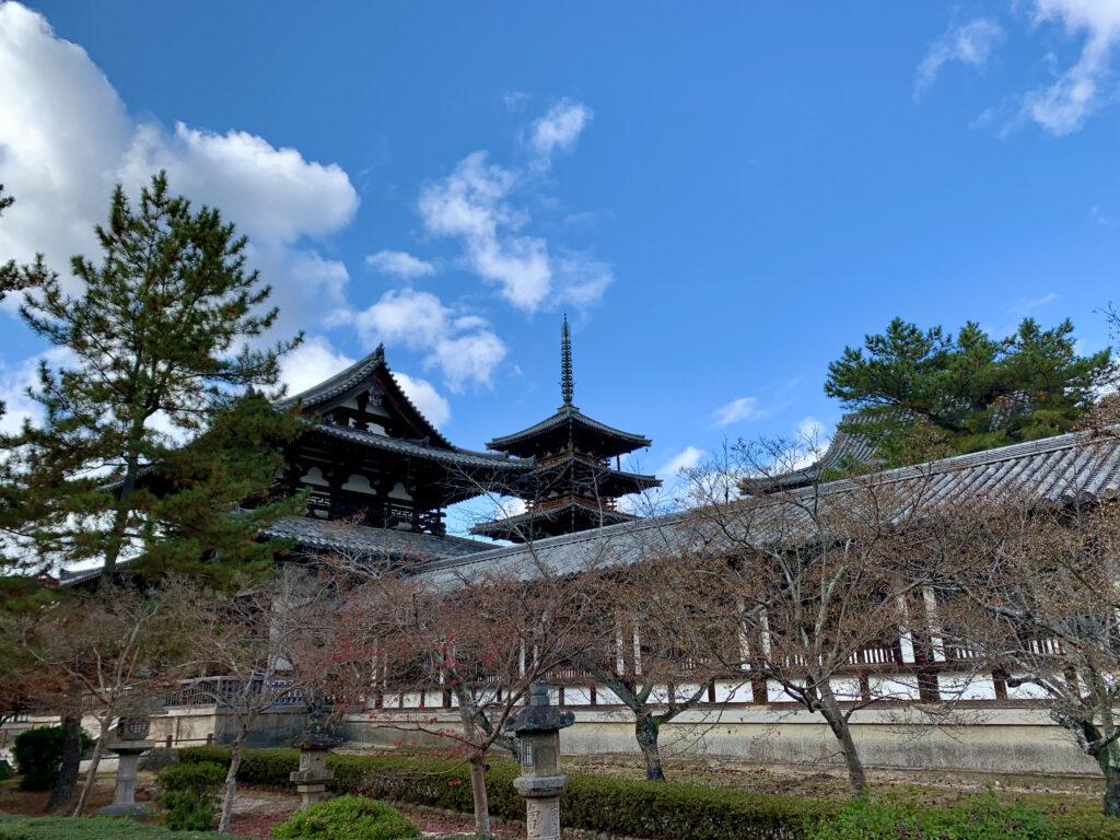 法隆寺の中門と五重塔