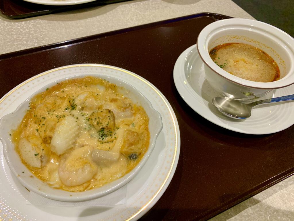 シーフードグラタンとオニオンスープ