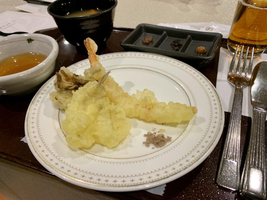 きす、舞茸、えびの揚げたて天ぷら