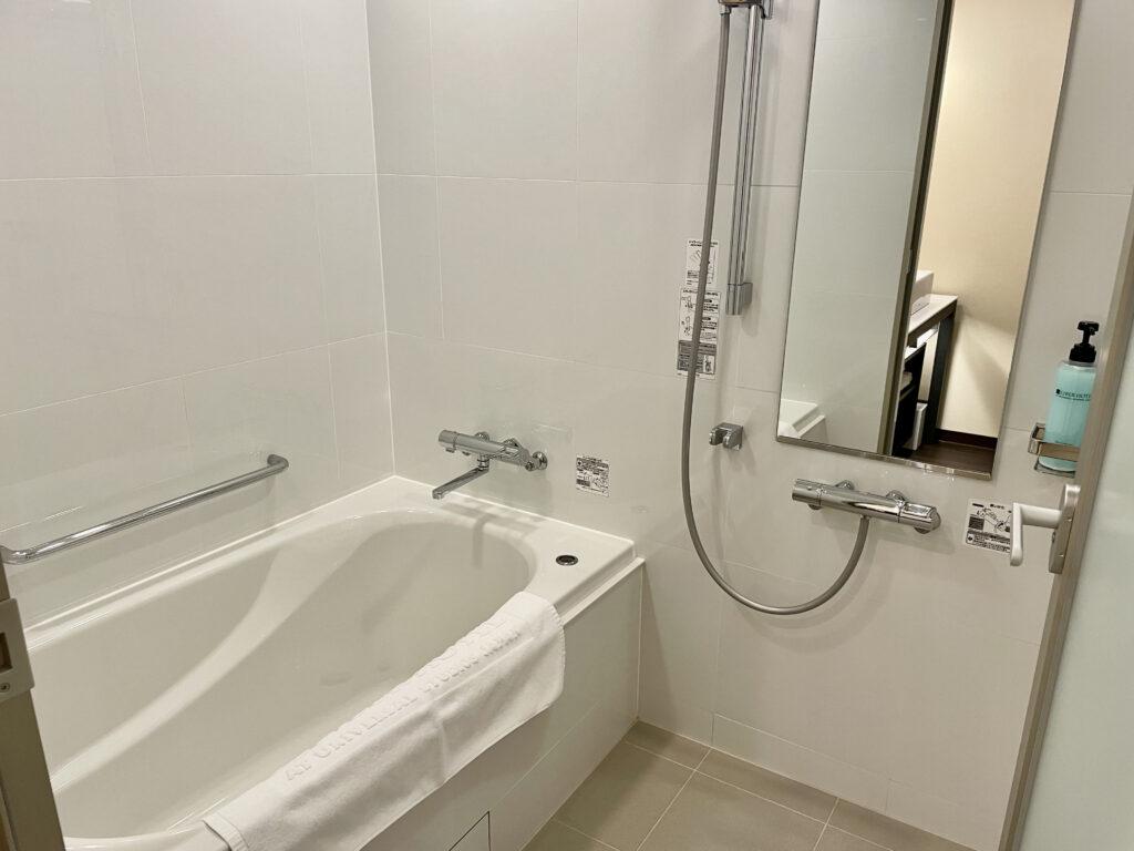 独立タイプのバスルーム