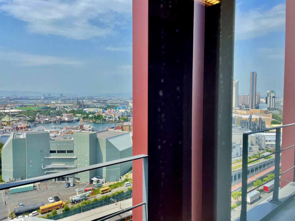 窓から見えるユニバーサルスタジオ